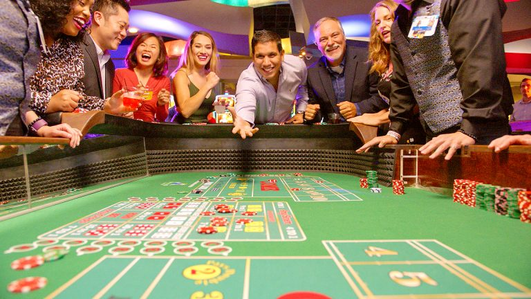 Online Poker – Learn About Online Poker Rooms, Rules, Betting & Games