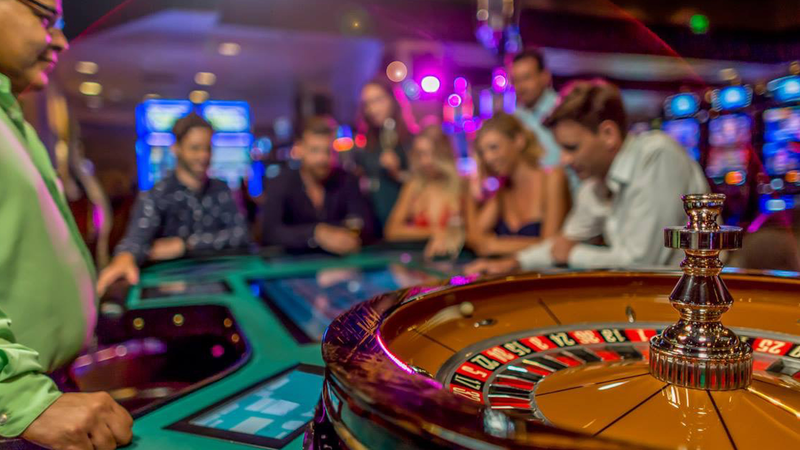 Four Tips From A Online Casino Pro